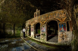 The carved monastery - Manastirea Corbii de Piatra