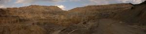 "Fosta exploatare de cupru de la Rosia Poeni, judetul Alba. Mina de supafata se afla la ""o vale"" distanta de Rosia Montana. Foto: Stringer/Select News"