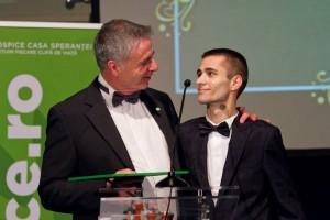 Cristi Bonea, alături de președintele Hospice, Graham Perolls