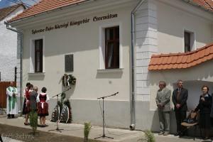 Biblioteca-comunală-Cernat-UDMR-insciptie-in-limba-maghiara