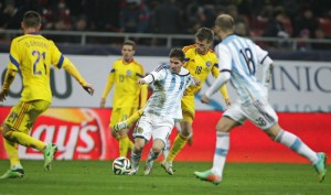 Mihai Pintili si Lionel Messi Foto: Adi Piclisan