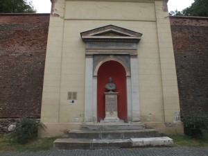 """Monument """"încastrat"""" în zidul Cetății Sibiu, închinat Împăratului Francisc I, care a vizitat urbea în anul 1828 Foto: Robert Veress, Select News"""