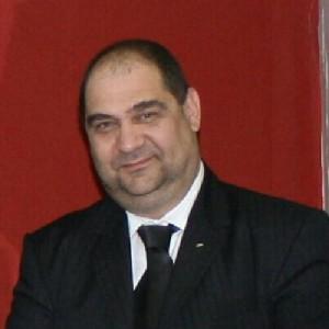 """Adrian Mihăilescu, consilier de imagine și comunicare la Institutul """"Eudoxiu Hurmuzachi"""" pentru românii de pretutindeni. Foto: LinkedIn"""