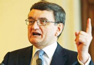 Victor Ciorbea, Avocatul Poporului Foto: monitoruldeoltenia.com